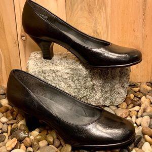 Women's Aerosoles Black Heel Rest Pumps-7